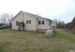 2198 Claremont Rd,Newton,North Carolina 28658,2 Bedrooms Bedrooms,1 BathroomBathrooms,Residential,Claremont Rd,1014